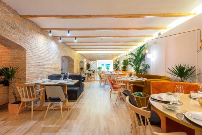 Mesas en el restaurante María de la O