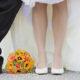 Vistas de las piernas del novio y la novia