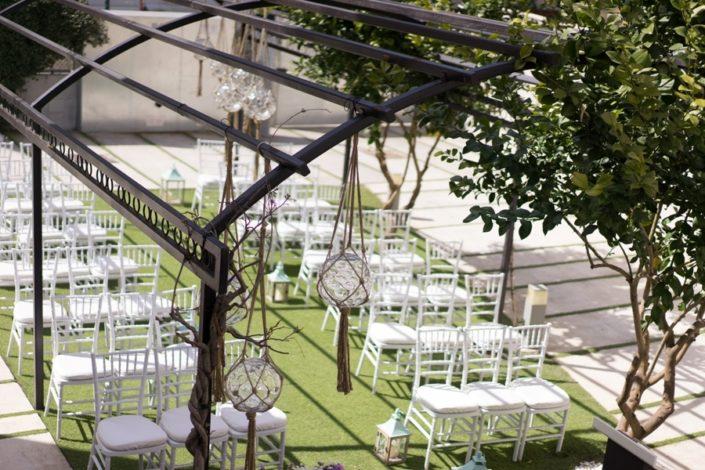 Celebrción de boda civil en el exterior de María de la O